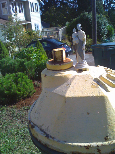 hydrant hey-sus